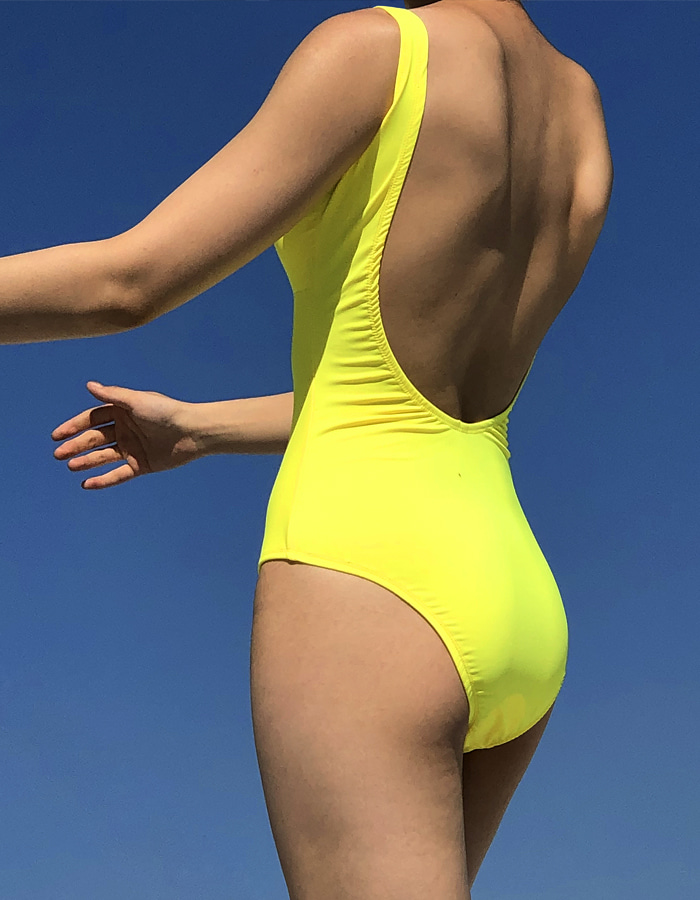 DEEP BACK LINE SWIM SUIT (3 COLOR)