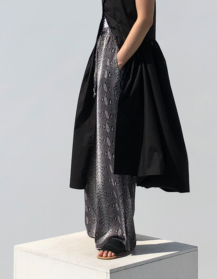 PYTHON WIDE PANTS (2 COLOR)