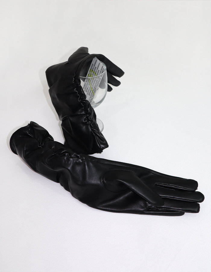 VEGAN LEATHER SHIRRING GLOVES