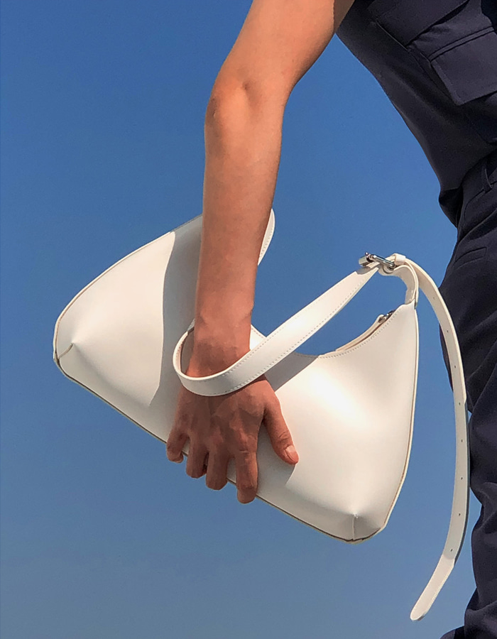 NEW MOON BAG (WHITE)