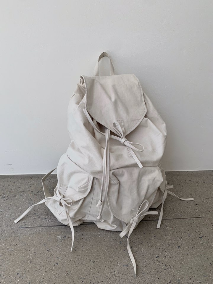 [DCRE] RIBBON BACK PACK (BEIGE)