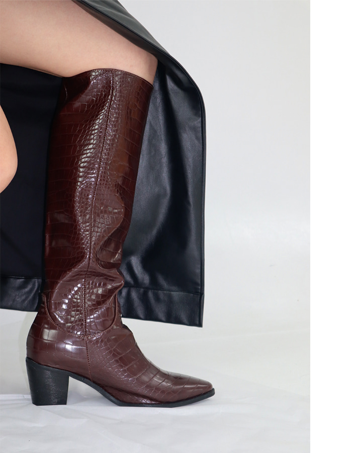 CRACK LONG BOOTS (BROWN)