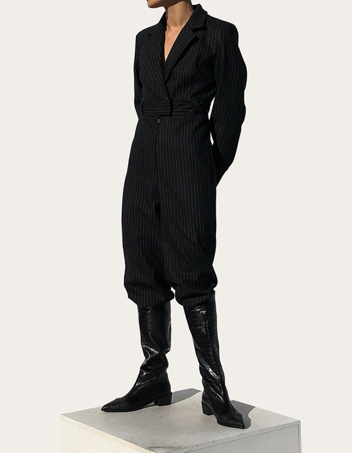TAILORED JUMP SUIT