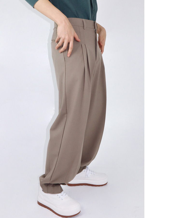Unisex tapered tuck slacks (3 color)